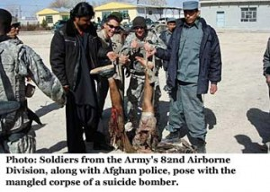 us soldiers posing with talib bomber 300x214
